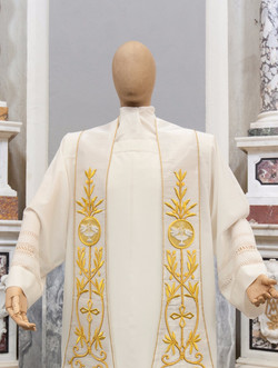 Solemn bishop stole with gold