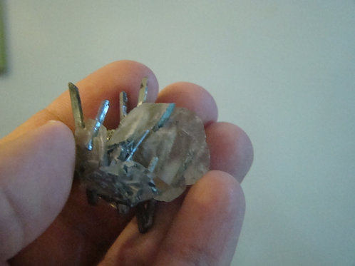 Ham8118 Crystal with hematite piece