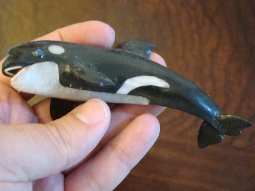 Ham8121  Animal carved whale with black and white paint