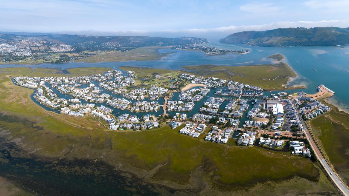 Thesen Island-1.jpg