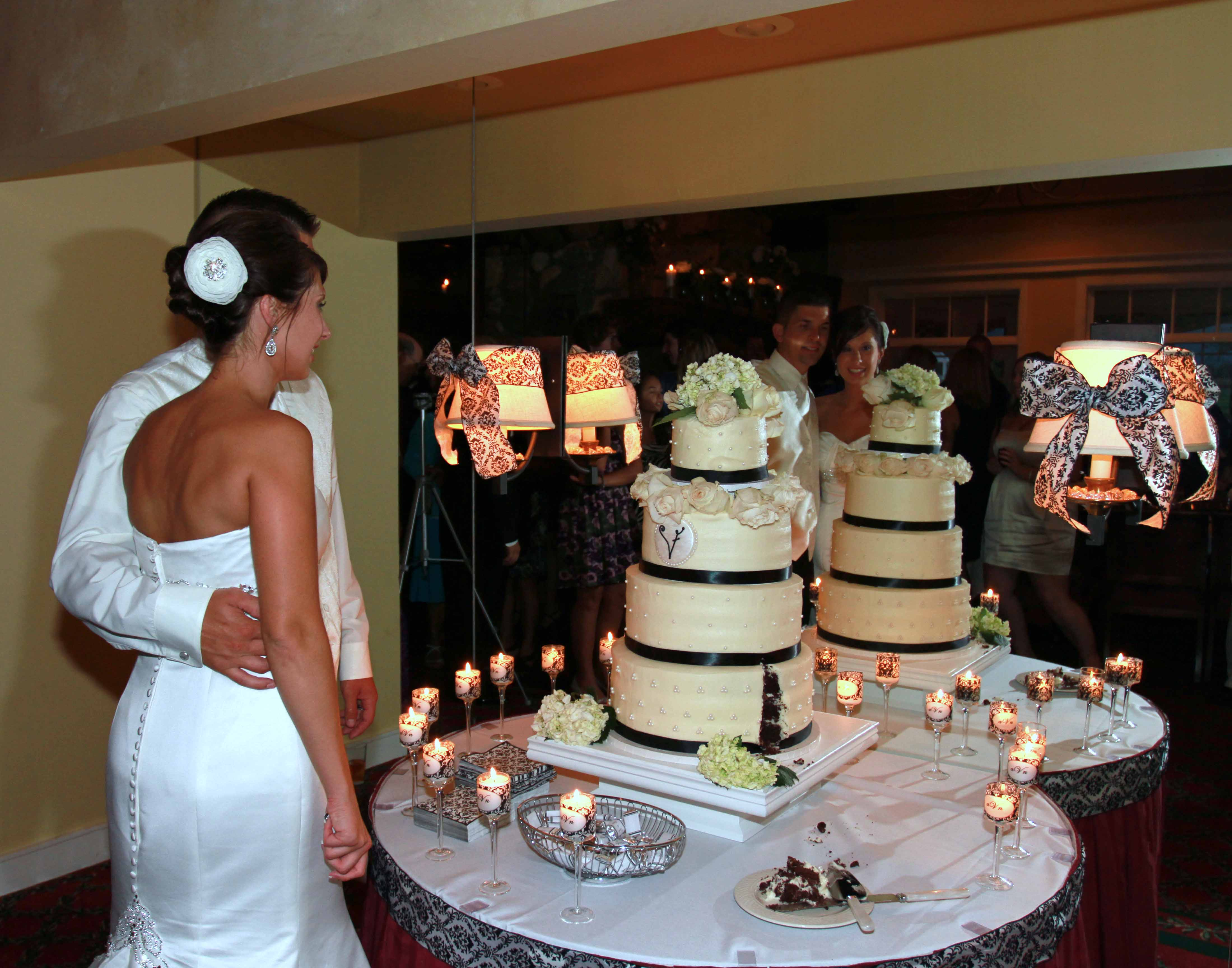 Cutting the Cake Charlevoix