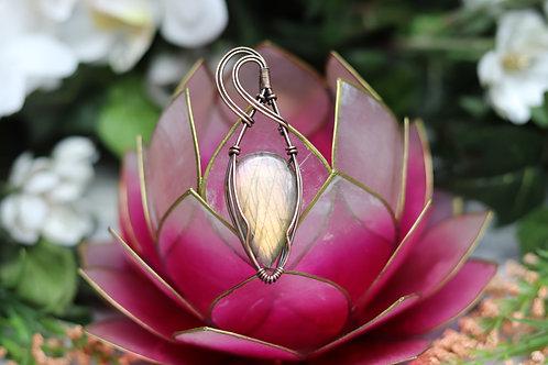Labradorite crystal necklace / Crystal pendant