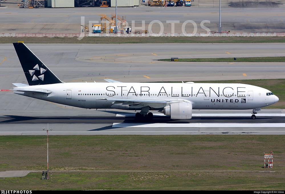 United Airlines B777-200ER