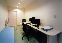 新緑会脳神経外科クリニック診察室2
