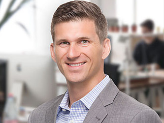 The Right Strategies for Communicating with Customers with Pete Petersen of Dealers United