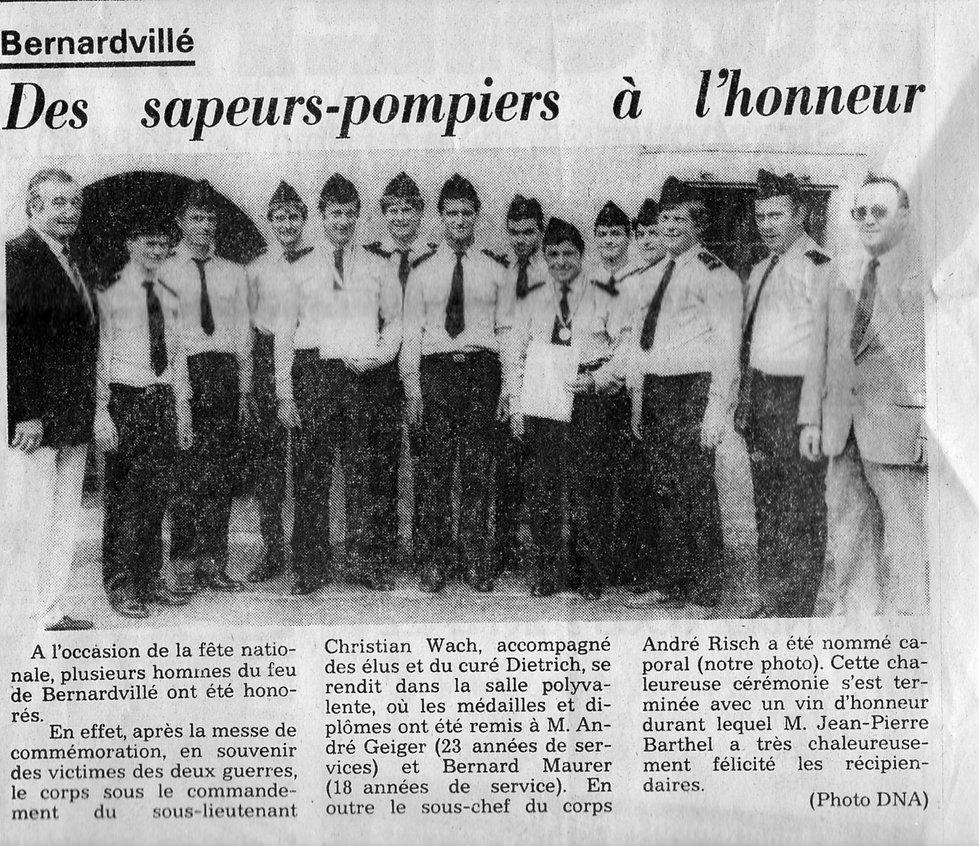 Pompier 1988315.jpg