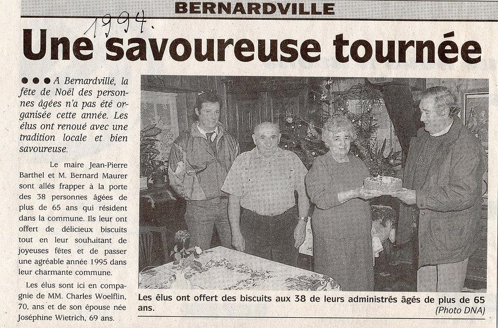 Remise biscuit conseil municipal Bernard
