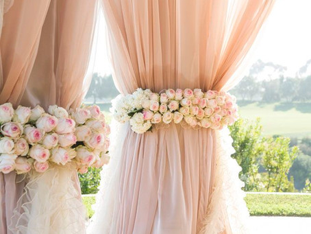 Get Inspired: Blush And Gold Theme Wedding!