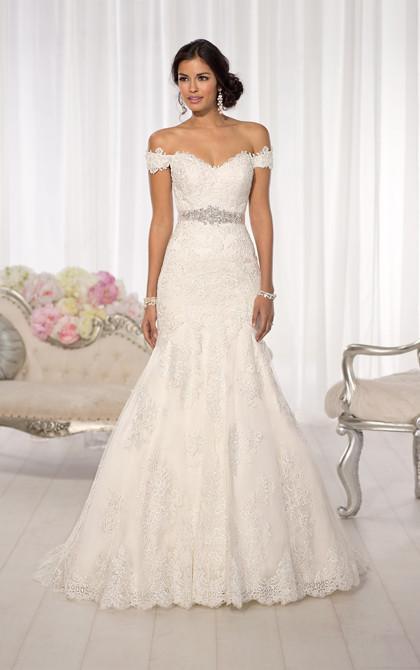 Lace Wedding Dress Essence 1617.jpg