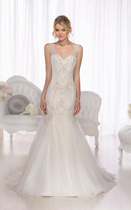 D1686 Front Blonde Vintage Wedding Dress.jpg