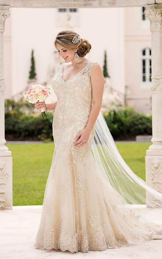Stella York Wedding Dress D2525