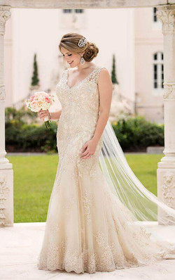 Stella York Wedding Dress D2525
