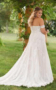 LACE PLUS SIZE WEDDING DRESS.jpg