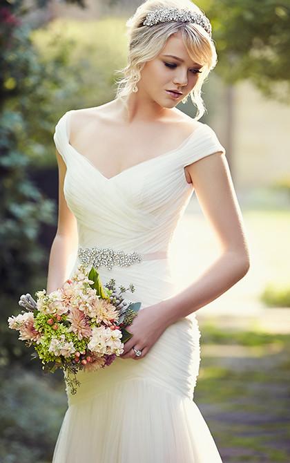 D1802 Off the Shoulder Wedding Dresses