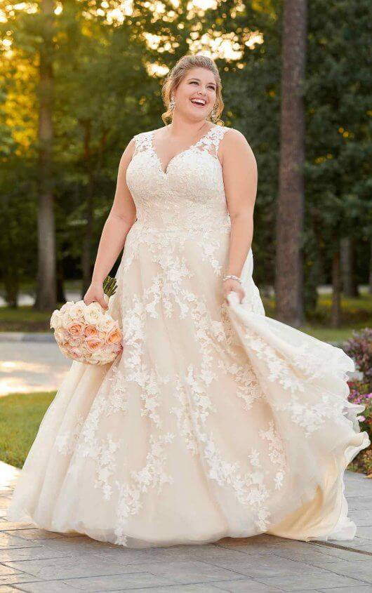 Plus Size Wedding Dresses Pearls Lace Donegal
