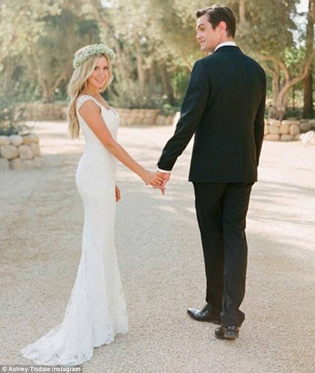 Ashley Tisdale Wedding Dress.jpg