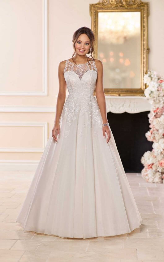 Plus Size Halter Neck Ball Gown Wedding Dress