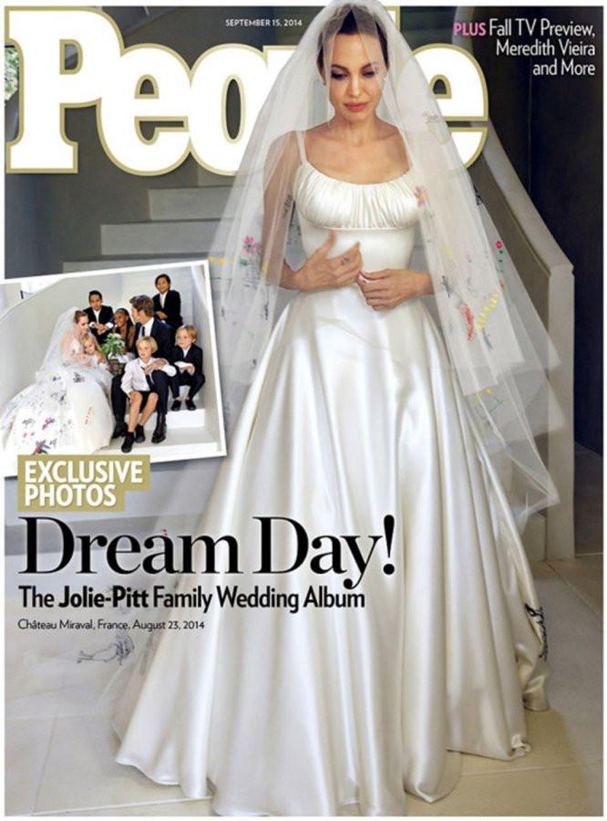 Angelina Jolie Wedding Dress.jpg