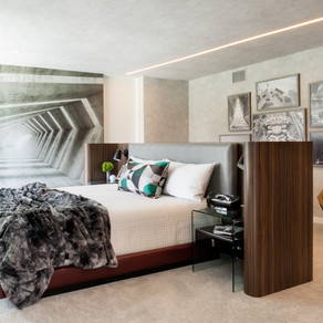 James Bond House: Primary Bedroom