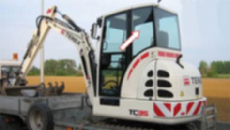 Стекло для мини-экскаватора TEREX TC35 | Стекло кузовное заднее левое | Стекло кузовное заднее | Стекло кузовное | TEREX | Терекс