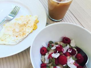 Havregrynsgröt med ägg och islatte