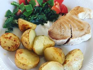 Grillad tonfiskfilé med stekt potatis