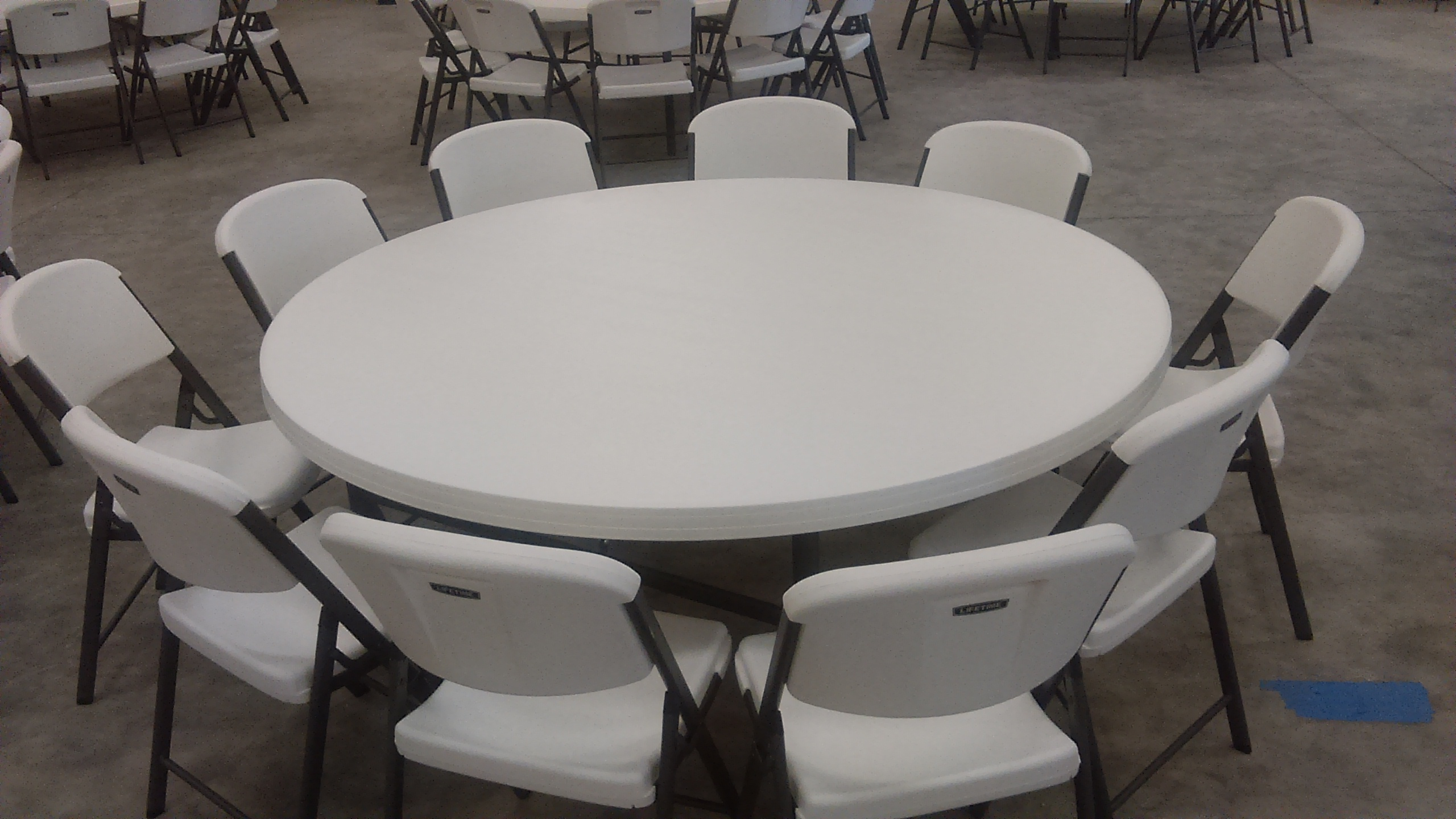 Expo-Hall_Tables-and-chairs