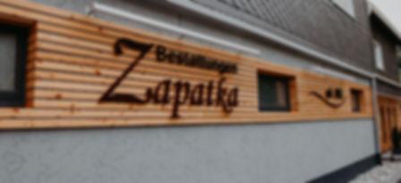 Holzfassade Bestattungen Zapatka