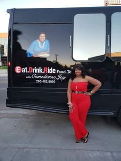 Jennifer Hudson outside bus