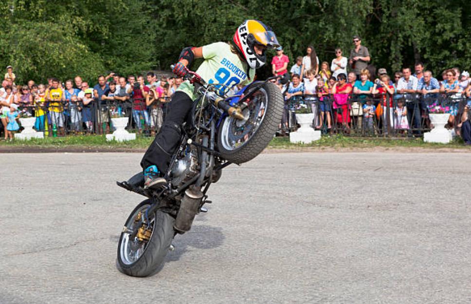 istock pic live stuntman 4 show copy