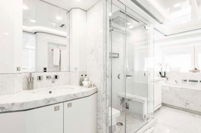 her destiny bathroom