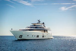wanda-0025-yacht.jpg