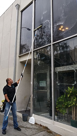 Window Cleaning Oscar.png