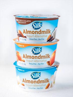 Silk-Amondmilk-Yogurt-640x848.jpg