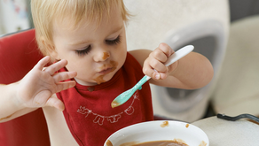 Baby starting solids? Dietitian, Lyndi Cohen shares her top tips for the transition