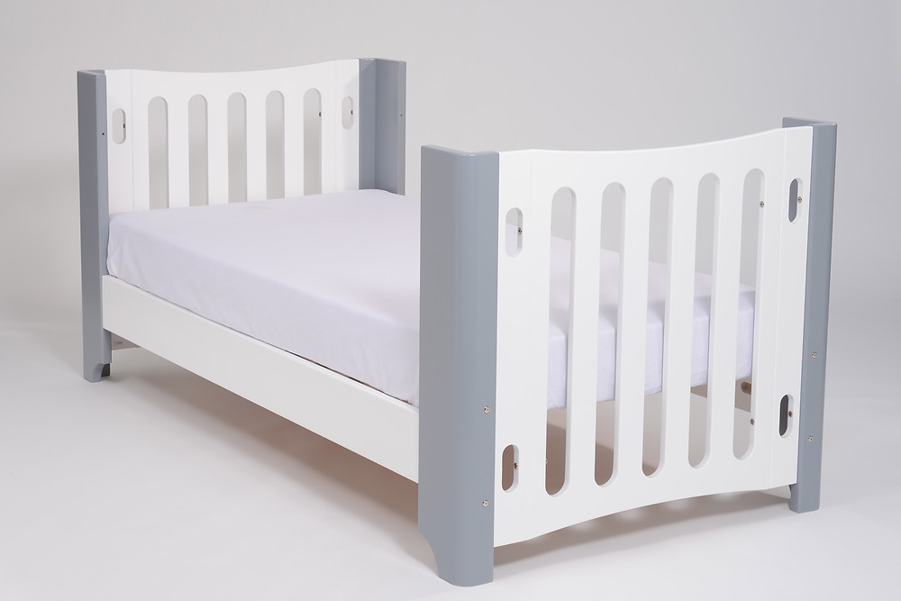 Tasmaneco Vogue 5-in-1 cot