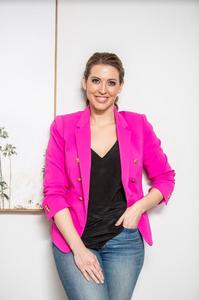 Dr Nikki Goldstein