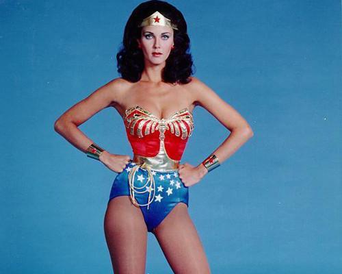 wonder woman power pose
