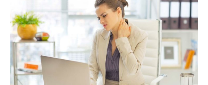 worker with sore neck