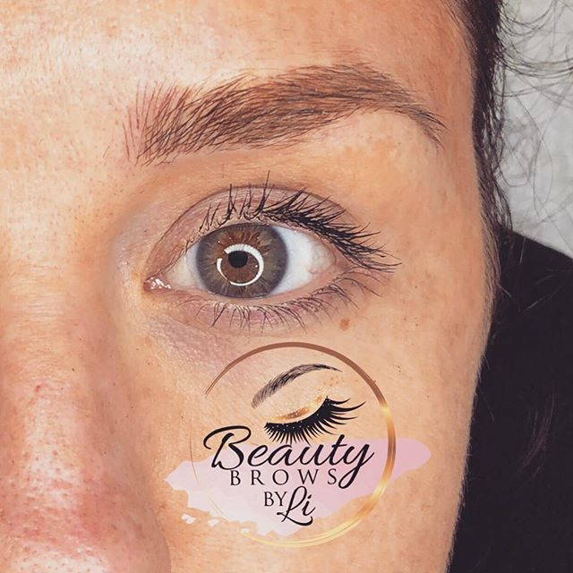 Naturally fluffy brow 😍😍😍