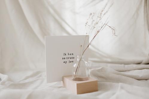Hold it met bloemetje voor bij je kaartje
