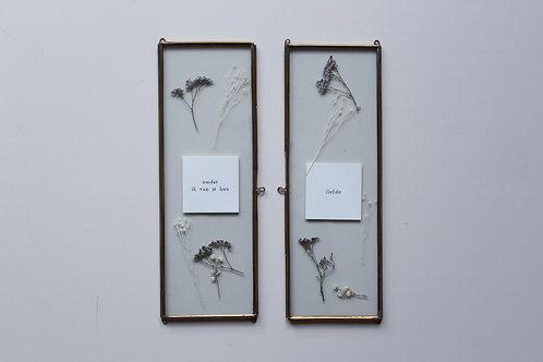 Lijst lang met bloemen en tekst