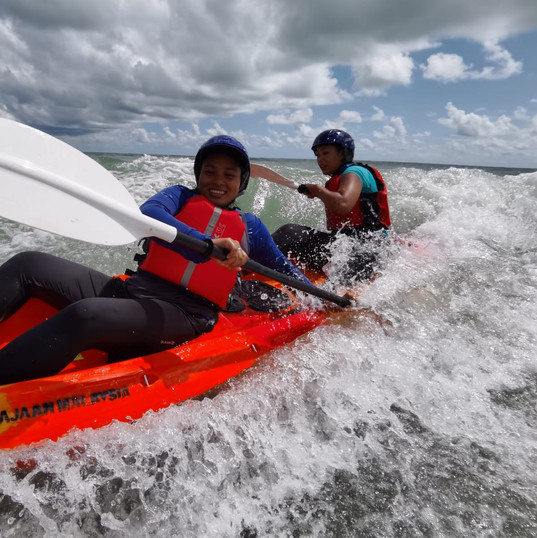 Kayak Fleet Management in Surf Condition Course