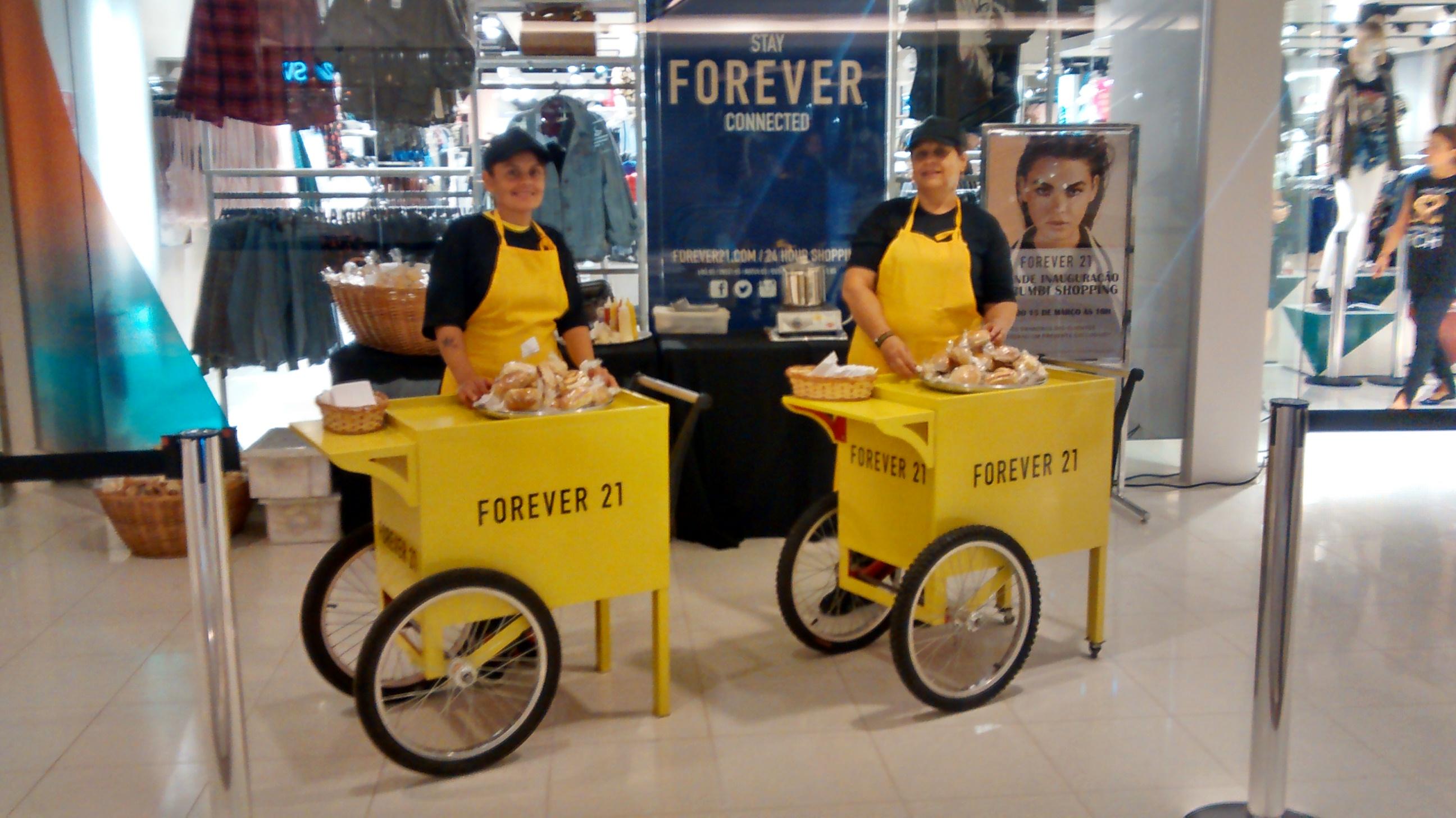 Mini Hot Dog - Inauguração Forever21