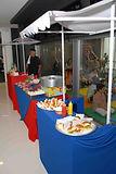 Barraquinhas Festa Infantil. Mini hot dog, mini cheeseburguer, pipoca e muito mais.