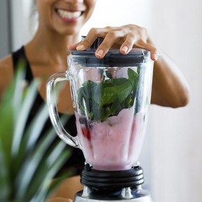 7 smoothie recipes and 1 grocery list