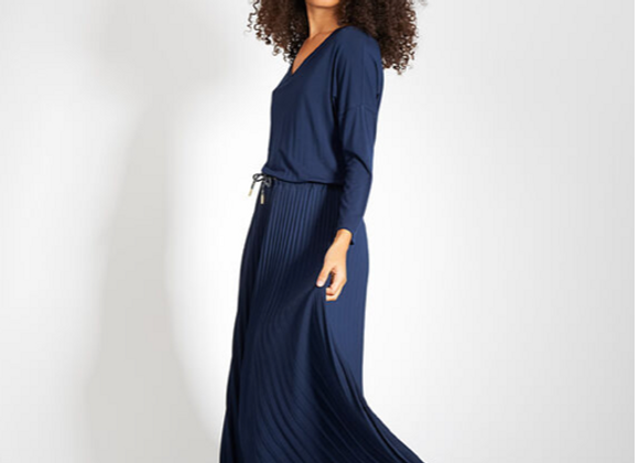 Robe longue bleu marine bi matière avec bas plissé I.Code