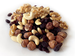 A handful of raw nuts or seeds