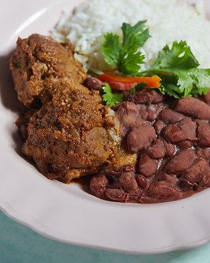 Adobo de cerdo con arroz blanco y frejol (para dos)