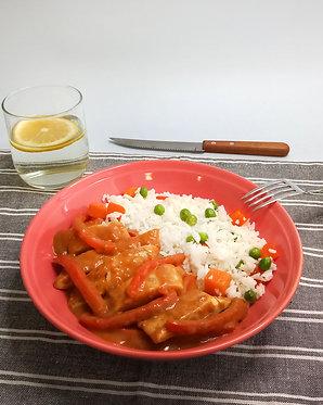 Pollo en salsa de ají panca con arroz a la jardinera (para dos)